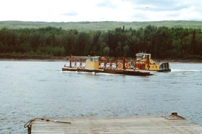 Clayhurst Ferry, leaving North side of Peace river, Clayhurst Peace river, B.C. June 1986