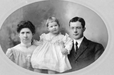 Sharples Family, December 1906