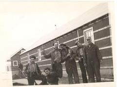 6 unidentified men, 1942-1943