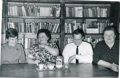 Elisabeth Jupp, Dora Hilbert, Ture Erickson and Frieda Kreuzinger, library school students, Tomslake, B.C., February 1964