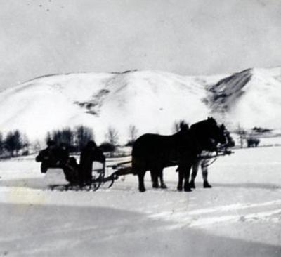 Bear Flats, B.C., winter travel, 1924-1925