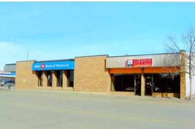 BMO Bank of Montreal, 940 - 102nd Ave, Mile Zero Pizza, 936 - 102nd Ave., Dawson Creek, BC, March 2015