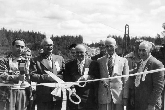 Honorable E.C. Kenny opens Hart Highway, Hart Highway, July 17, 1952