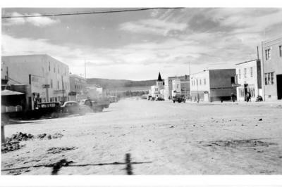 10th Street looking south, Dawson Creek, BC ca1946 postcard